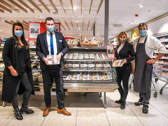 Gerechten restaurant Alfreds liggen in de supermarkt van Hoogvliet